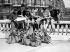 Guerre 1939-1945. Départ en vacances. Paris, Gare de Lyon. Mai 1941. © LAPI/Roger-Viollet