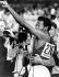 """Jeux olympiques de Mexico. Lee Evans (Etats-Unis) faisant le signe du """"Black Power"""", après sa victoire lors du 400 mètres masculin, 18 octobre 1968. © TopFoto / Roger-Viollet"""