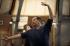 """Maurice Béjart (1927-2007), danseur et chorégraphe français, dirigeant une répétition de """"IXème Symphonie"""". Paris, Opéra Garnier, 24 avril 1996. © Colette Masson/Roger-Viollet"""