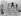 Groupe de jeunes gens sautant dans les dunes, en maillot de bain, 1931.  © H. Armstrong Roberts/Ullstein Bild/Roger-Viollet