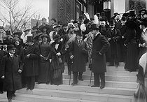 Te Deum at the Alexander Nevsky cathedral, for the tercentenary of the Romanov. Count Romanov (in uniform, in the background). Paris (VIIIth arrondissement), rue Daru, March 1913. © Maurice-Louis Branger / Roger-Viollet