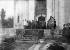 Mehmed V Resad (1844-1918), sultan de Turquie, à la mosquée verte de Brousse (Bursa).    © Albert Harlingue/Roger-Viollet