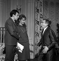 """Oscar"", play by Claude Magnier. Guy Bertil, Danièle Lebrun and Louis de Funès. Paris, Théâtre de la Porte Saint-Martin, January 1961. © Studio Lipnitzki/Roger-Viollet"