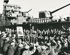 Révolution culturelle chinoise (1966-1967). Soldats de la marine lisant le Livre Rouge de Mao Zedong. © Iberfoto / Roger-Viollet