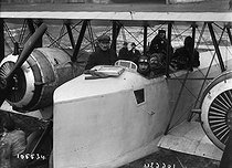 Nacelle of the Caudron aeroplane. France, on January 26, 1919. © Maurice-Louis Branger/Roger-Viollet