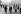 Bataille du Bogside. Affrontements entre des manifestants catholiques et la  la police royale de l'Ulster. Londonderry (ou Derry, Irlande du Nord), 14 août 1969. © PA Archive / Roger-Viollet