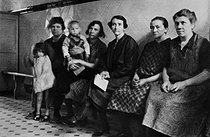 Wives of Polish miners in the Pas-de-Calais region (France), circa 1930-1935. © Roger-Viollet