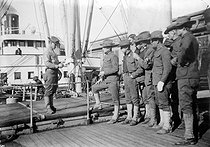American intervention in Mexico. Troops embarking. United States, 1913-1914. © Albert Harlingue/Roger-Viollet