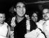 Le Dalaï-Lama, chef spirituel du bouddhisme tibétain, lors de son arrivée à New Delhi après avoir fui le Tibet, 7 septembre 1959. © TopFoto/Roger-Viollet