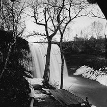 The Minnehaha falls (Minnesota, United States), 1870-1875. Detail of a stereoscopic view. © Léon et Lévy/Roger-Viollet