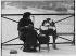 Marchande d'accessoires de lunettes, pont des Arts. Paris (VIème arr.), vers 1900. Photographie de Louis Vert (1865-1924). Paris, musée Carnavalet. © Louis Vert/Musée Carnavalet/Roger-Viollet