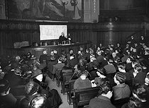 Conference given, in the great amphitheatre of the Sorbonne university, in front of the Polish colony of Paris, circa 1925. © Albert Harlingue / Roger-Viollet