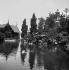 Exposition universelle de 1889, Paris. Vue prise dans le parc. © Léon et Lévy/Roger-Viollet