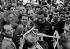 Coppi Fausto au départ du 30ème Giro d'Italie. Milan (Italie). © Toscani/Alinari/Roger-Viollet
