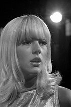 Sylvie Vartan (born in 1944), Bulgarian-born French singer. Paris, 1965. © Roger-Viollet