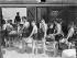 Foule de baigneurs attendant d'accéder à la piscine de Hammersmith pendant une vague de chaleur. Londres (Angleterre), 29 mai 1937. © TopFoto/Roger-Viollet
