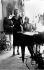 Marlene Dietrich (1901-1992, actrice et chanteuse américaine d'origine allemande, et Noël Coward (1899-1973, auteur dramatique et réalisateur anglais, répétant dans l'hôtel Dorchester. Londres (Angleterre), Park Lane, juillet 1954. © TopFoto / Roger-Viollet