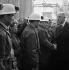 Le président Charles De Gaulle (1890-1970), avec des mineurs. Voyage à Calais, 24 septembre 1962. © Roger-Viollet