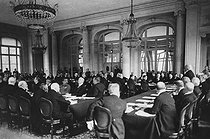 The Treaty of Versailles. Georges Clemenceau (1841-1929), French Prime Minister, negotiating with a German delegation. Palace of Versailles (France), Palais de Trianon, 1919. © Iberfoto / Roger-Viollet