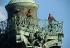 Inauguration de l'Opéra Bastille. Militaires sur la colonne de Juillet. Paris, 13 juillet 1989.  © Colette Masson/Roger-Viollet