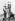 Anschluss. Manifestations de joie lors de l'entrée des troupes allemandes de la Wehrmacht à Salzbourg, 12 mars 1938. © Ullstein Bild / Roger-Viollet