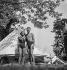Camping. Rivière de la Marne. France, vers 1937-1938. © Gaston Paris / Roger-Viollet