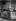 Claude Monet (1840-1926), peintre français dans sa maison de Giverny (Eure), vers 1915-1920.  © Pierre Choumoff/Roger-Viollet