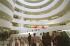 Intérieur du musée Solomon R. Guggenheim de New York, construit entre 1956 et 1959 par Frank Lloyd Wright (1869-1959), architecte américain, sur la 5ème avenue. New York (Etats-Unis), 6 avril 2004. © Ullstein Bild / Roger-Viollet