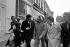 Bob Marley (1944-1981), chanteur et musicien jamaïcain, se rendant au tribunal pour détention de cannabis. Londres (Angleterre), Marylebone Magistrates Court, 6 mai 1977. © PA Archive / Roger-Viollet