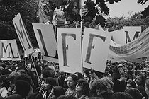 Demonstration for the freedom of abortion. Paris, on October 6, 1979. Photograph by Janine Niepce (1921-2007). © Janine Niepce / Roger-Viollet