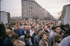 Chute du mur de Berlin. Carrefour entre la Bernauer Strasse et l'Eberswalder Strasse, 11 novembre 1989. © Peters / Ullstein Bild / Roger-Viollet