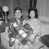 """""""Un dimanche à New York"""". Jean-Claude Brialy et Marie-José Nat. Paris, théâtre du Palais-Royal, novembre 1962. © Bernard Lipnitzki / Roger-Viollet"""