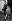 La reine Elisabeth II et deux de ses enfants, le prince Charles et la princesse Anne, lors d'un évènement équestre (le Royal Windsor Horse Show). Château de Windsor (Angleterre), 14 mai 1955. © PA Archive/Roger-Viollet