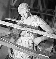 The masterpieces back at the Louvre museum, after the war. Paris, 1945. © Pierre Jahan/Roger-Viollet