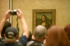 """Musée du Louvre. Aile Denon, 1er étage, salle 6 des Etats. Salle de La Joconde. """"La Joconde"""" de Leonard de Vinci. Paris, juin 2008. © Jean-Pierre Couderc / Roger-Viollet"""