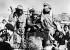 Révolution cubaine (1958-1959). Prise de La Havane. Les révolutionnaires, dirigés par Fidel Castro accueillis par la population. A gauche de Castro (armé), Camilo Cienfuegos.  La Havane, 8 janvier 1959. © Ullstein Bild/Roger-Viollet