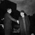 Maurice Couve de Murville, Ministre des Affaires étrangères, accueillant John Foster Dulles (1888-1959), secrétaire d'Etat américain, à Matignon. Paris, 15 décembre 1958. © Roger-Viollet