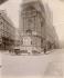 Fontaine Molière par Visconti et Pradier, rue de Richelieu. Paris, 1906. Photographie d'Eugène Atget (1857-1927). Paris, musée Carnavalet. © Eugène Atget / Musée Carnavalet / Roger-Viollet