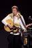 Gunter Gabriel (né en 1942), chanteur, musicien et compositeur allemand, lors d'un concert reprenant des chansons de Johnny Cash (1932-2003), chanteur et musicien américain. Cologne (Allemagne), Theater am Tanzbrunnen, 31 mars 2012.  © Brill / Ullstein Bild / Roger-Viollet