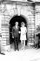 Mariage d'Audrey Hepburn et d'Andrea Dotti (1938-2007), psychiatre italien. Morges (Suisse), 18 janvier 1969. © TopFoto / Roger-Viollet