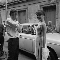 "Shooting of ""L'Homme de Rio"", film by Philippe de Broca (1964). Jean-Paul Belmondo and Françoise Dorléac. France-Italy, on August 2nd, 1963. © Alain Adler/Roger-Viollet"