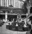 Exposition universelle de 1889, Paris. Vestibule du Palais des Beaux-Arts. © Léon et Lévy/Roger-Viollet