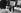 Blocus de Berlin (1948-1949). Jeune femme répondant à une petite annonce. 15 août 1948. © Ullstein Bild / Roger-Viollet