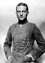 Manfred, baron von Richthofen (1892-1918), German airman, shot down over the Somme after 80 air victories. © Albert Harlingue/Roger-Viollet