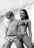 Couple en maillot de bain. 1969. © Ullstein Bild/Roger-Viollet