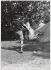 Association Camping et Culture. Mondeville (Essonne). Hillel Katz et Arlette Humbert-Laroche. 1937. Photographie de Marcel Cerf (1911-2010). Bibliothèque historique de la Ville de Paris. © Marcel Cerf/BHVP/Roger-Viollet