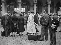 World War II. Mobilization. Paris, Gare de l'Est train station, on August 25, 1939. © Roger-Viollet