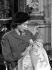 La princesse Elisabeth d'Angleterre (née en 1926), tenant dans ses bras son fils, le prince Charles, le jour de sa naissance. Londres (Angleterre), palais de Buckingham, 15 décembre 1948. © PA Archive/Roger-Viollet