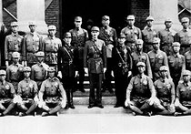 Chiang Kai-shek (centre, Jiang Jieshi, 1887-1975), Chinese general and statesman, during the presentation of the sword of honour at the military academy of Shanghai. © Roger-Viollet