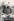 """Romy Schneider (1938-1982), actrice autrichienne, prenant une pause sur le tournage de """"La Califfa"""" d'Alberto Bevilacqua. France-Italie, 1970. © Alinari / Roger-Viollet"""